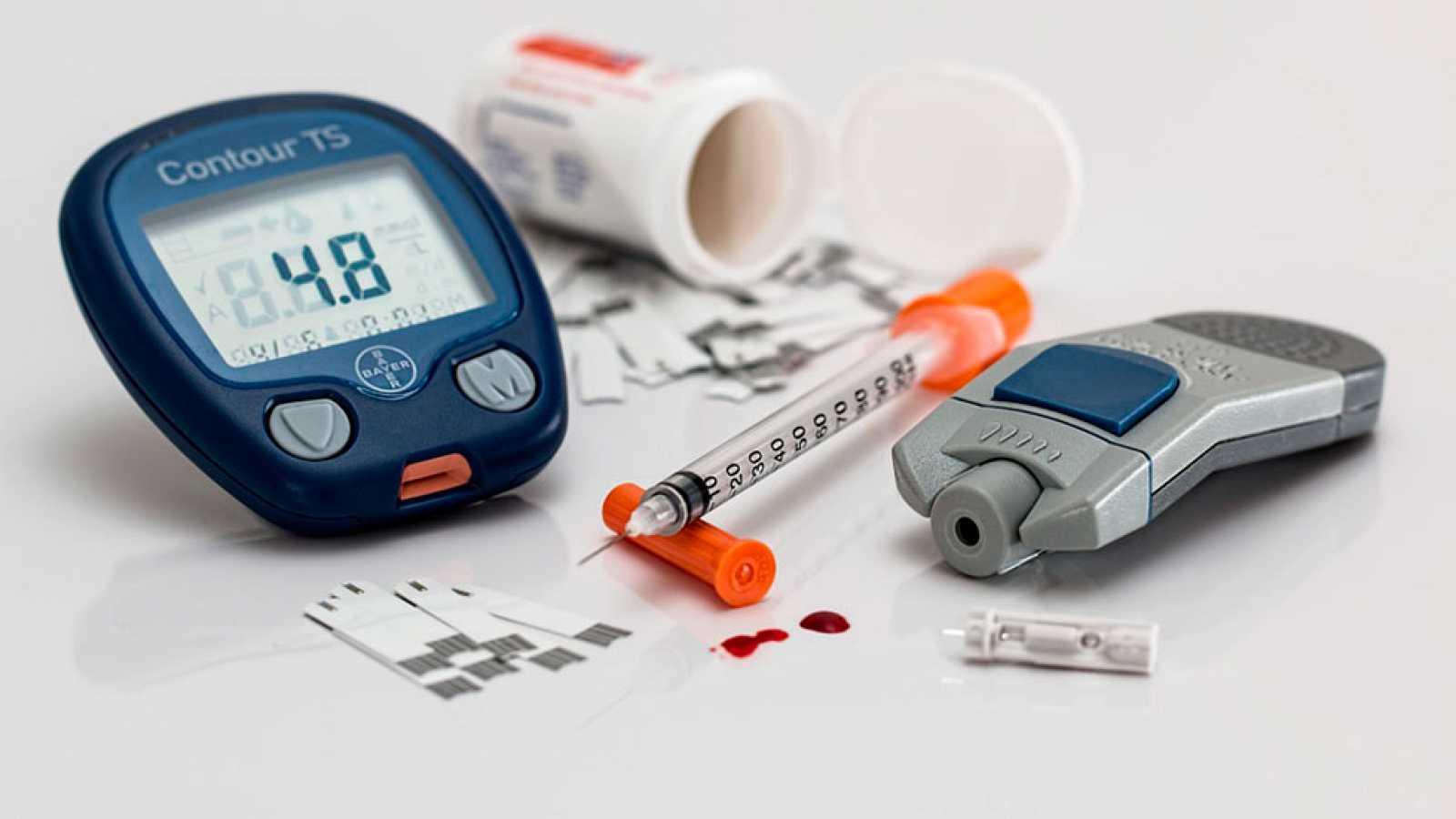 Presentan dispositivo electrónico para mejorar la vida de diabéticos
