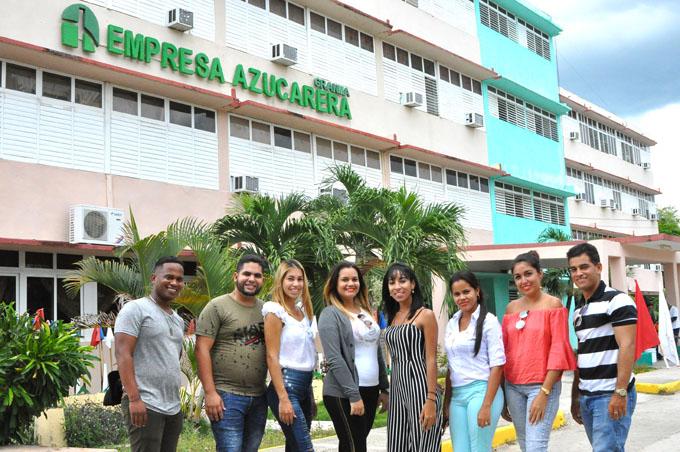 Incorporados egresados universitarios  en Empresa azucarera Granma