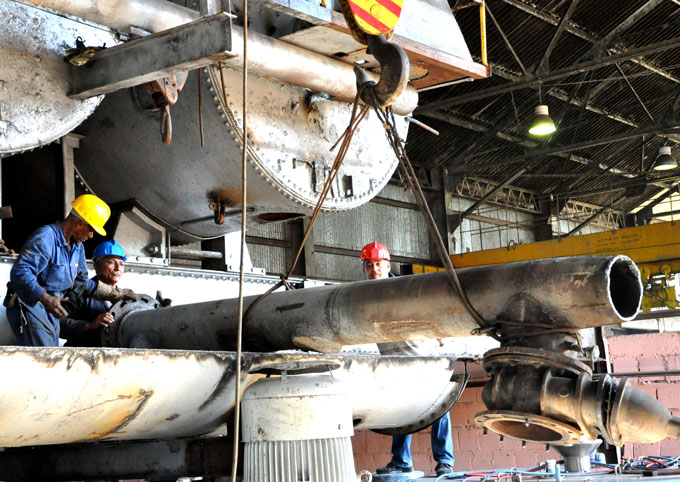 Continúan reparaciones en centrales azucareros en Granma