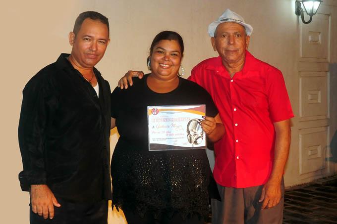 Yudenia Manso: Veinte años más allá de la canción