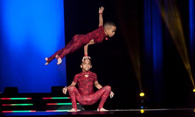 Relevo de la tradición circense cubana se cuela en festival ruso