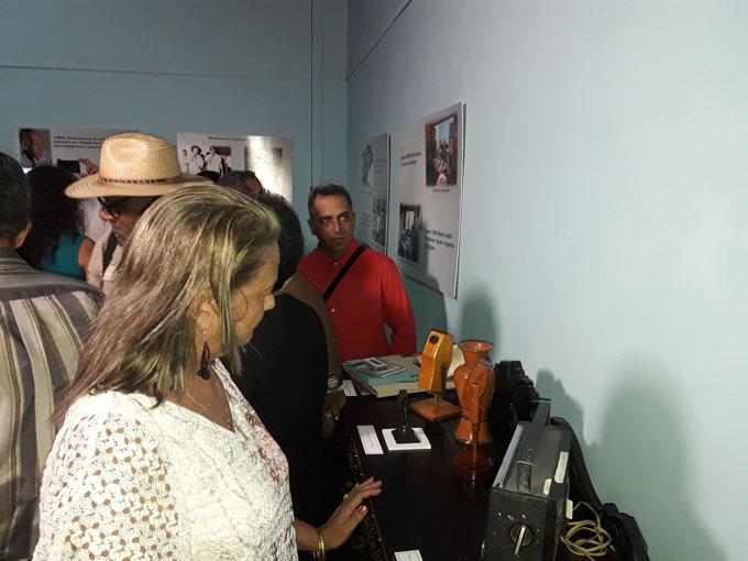 Inauguran exposición dedicada al aniversario 82 de la Radio en Bayamo