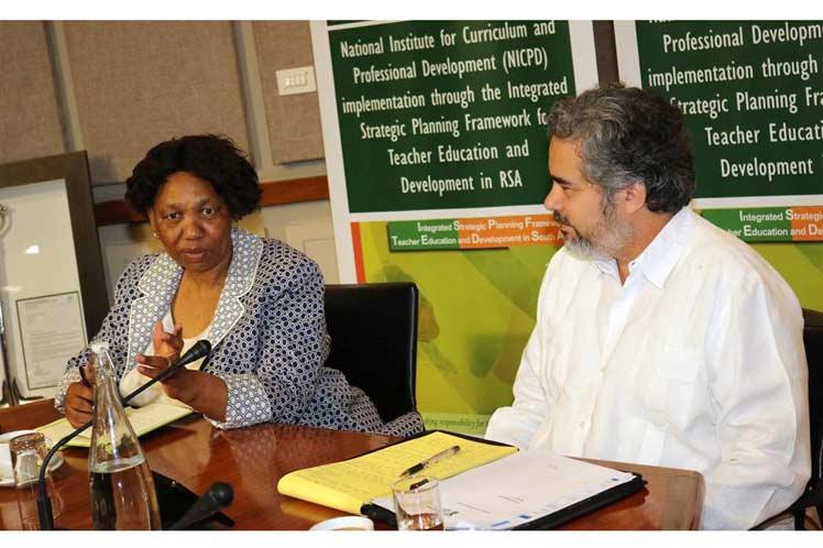 Consolidan Sudáfrica y Cuba cooperación en Educación
