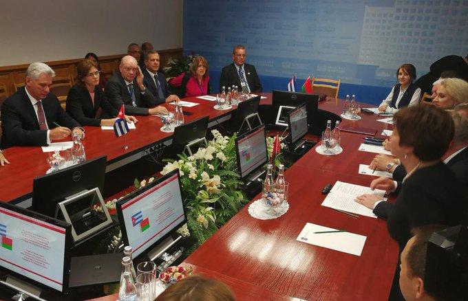 Belarús y Cuba constatan necesidad de reforzar nexos estratégicos