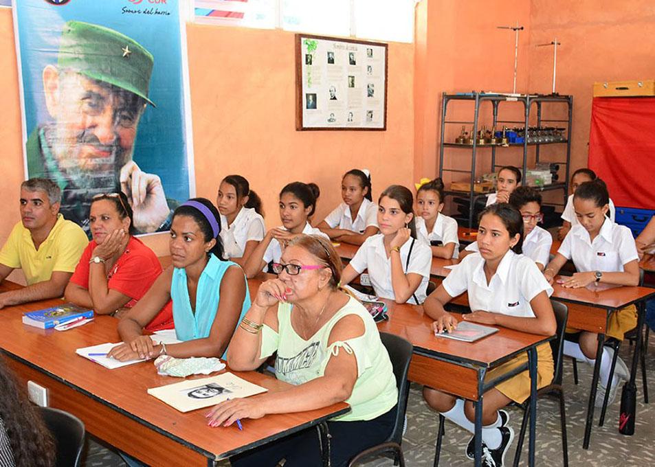 Desarrollan en Bayamo Seminario de estudios martianos (+fotos)