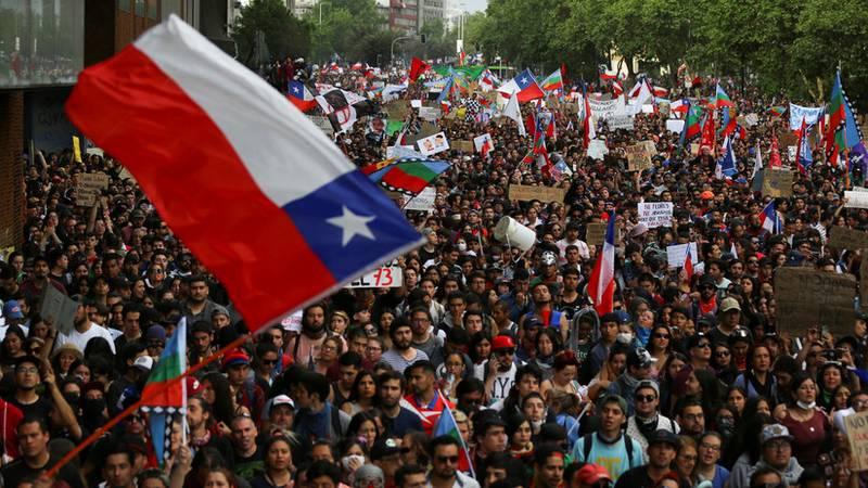 Oposición impulsa acusación constitucional contra presidente de Chile