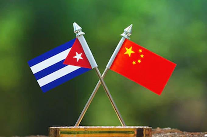 Xi Jinping expresa a Raúl su disposición a escribir juntos un nuevo capítulo de la amistad chino-cubana