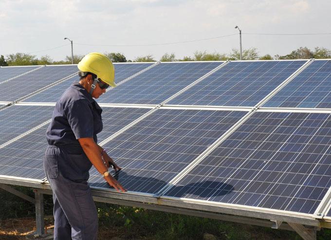 Garantizan fuentes renovables de energía estabilidad en el servicio eléctrico (+ audio)