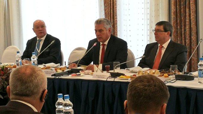 Presidente de Cuba dialogó con empresarios rusos (+ fotos y videos)
