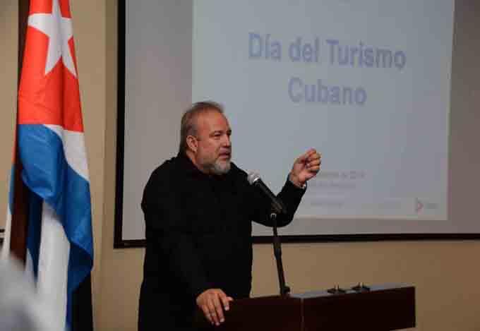 Pese al recrudecimiento del bloqueo el turismo crece, afirma ministro cubano (+fotos)