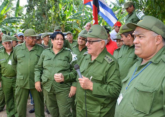 Preside viceministro de las FAR actividades del Día Nacional de la Defensa en Bayamo (+ fotos)