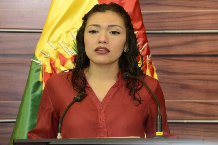 Legisladora critica nuevas amenazas de líder cívico en Bolivia