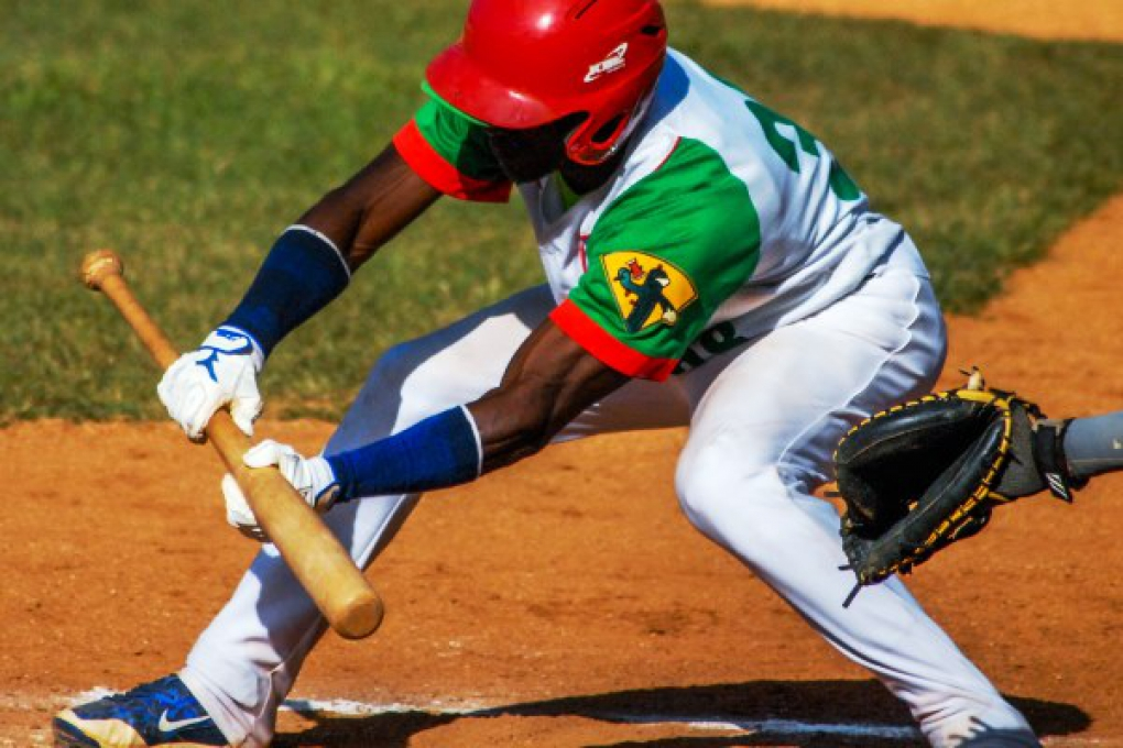 Camagüey-Las Tunas, duelo de la realeza en béisbol de Cuba