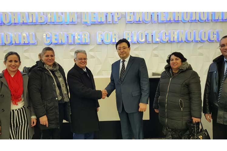 Firman memorando Biocubafarma e Instituto de Biotecnología kazajo