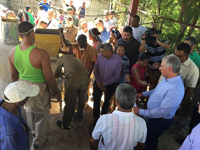 Reconoce Díaz-Canel estirpe batalladora de pueblo de Caimanera