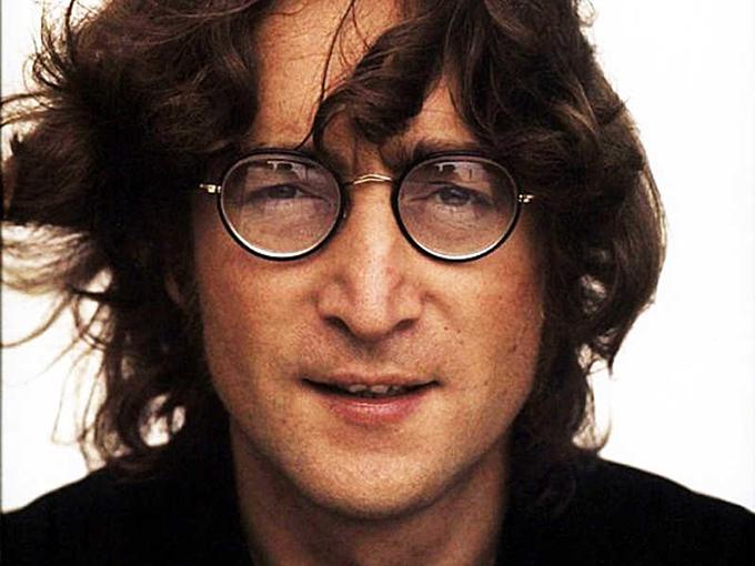 Subastarán las gafas redondas de John Lennon