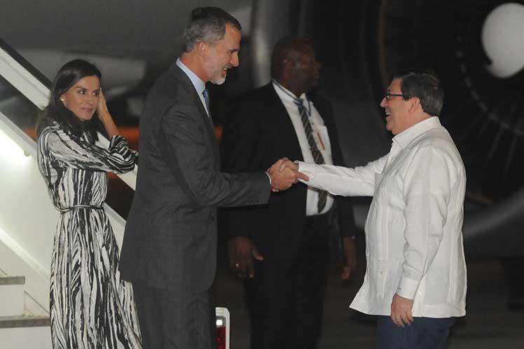 Comienzan actividades en Cuba los Reyes de España (+ fotos)