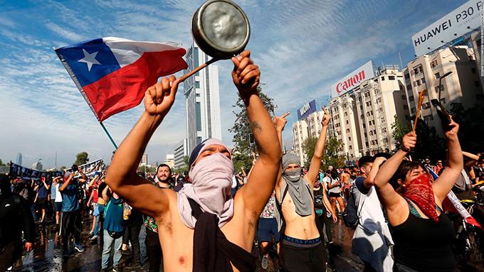Paro escalonado avanza en Chile con protestas y marchas