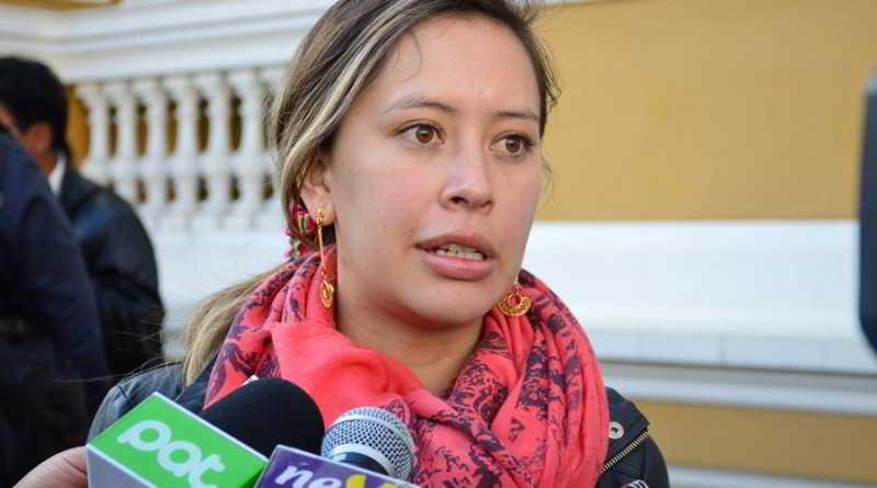 La renuncia de Evo Morales no está en disputa, dijo diputada del MAS (+ videos)