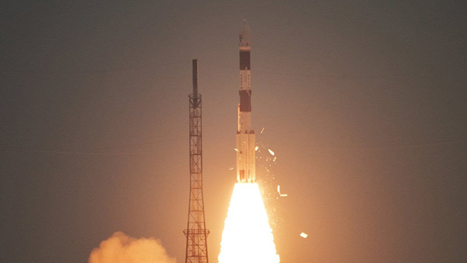 India lanzó con éxito satélite de observación (+fotos y video)