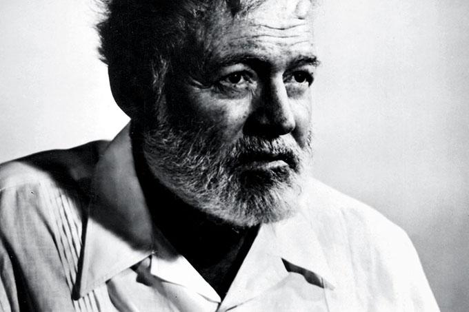 Develarán en finca Vigía escultura de Hemingway donada por artista sueco