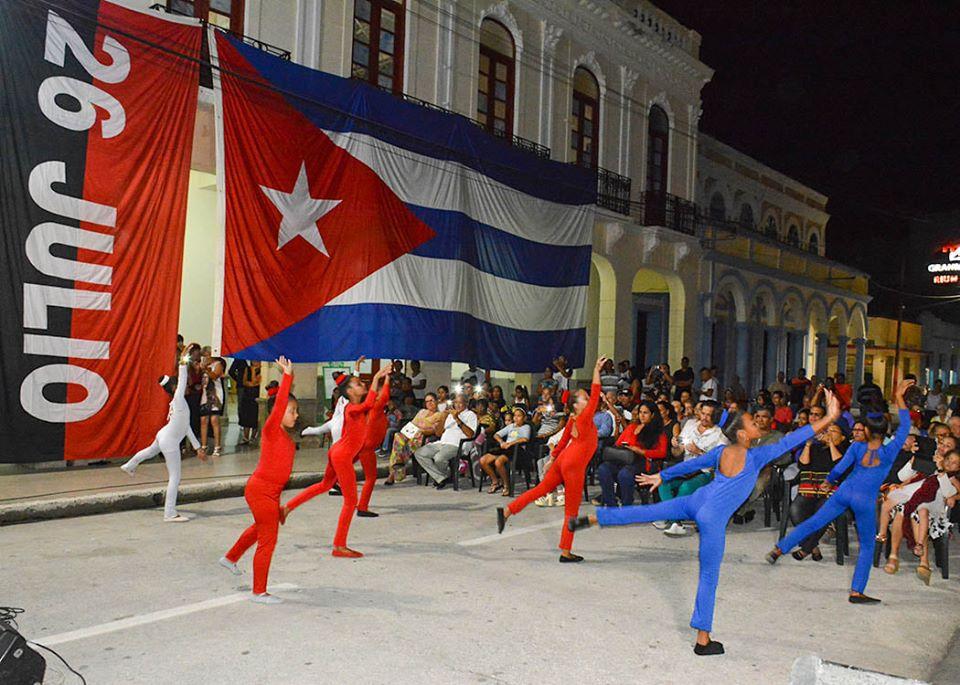Realizan homenaje a Fidel  en Bayamo (+ fotos)