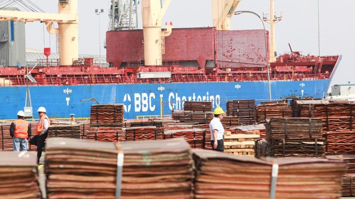 Balanza comercial de Chile presenta números rojos en octubre