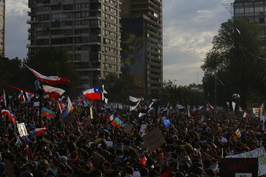 Chile vive su tercera semana de movilización social
