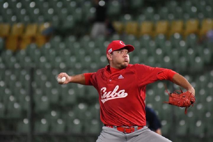 Canadá blanquea a Cuba en béisbol del Premier 12