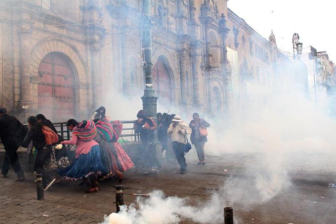 Denuncian crueldad de régimen de facto en Bolivia