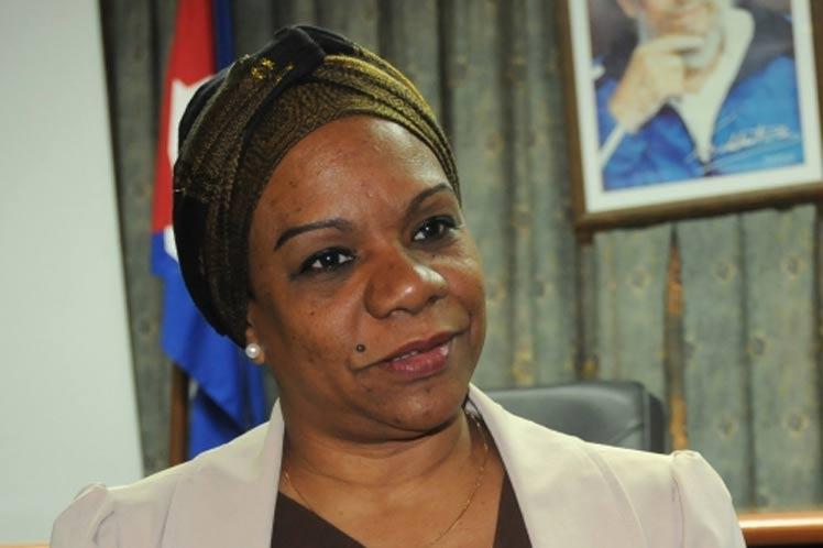 Informa Inés María Chapman que médicos cubanos secuestrados en Kenya se encuentran bien