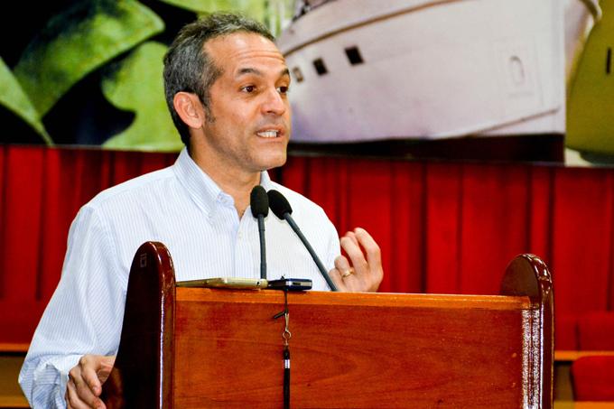 Exalta viceministro del Citma papel de la ciencia en Granma