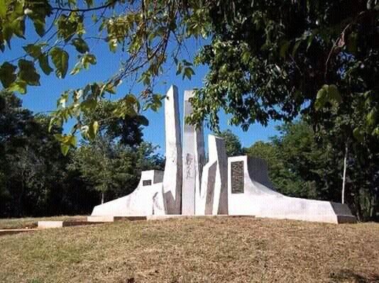 Rememoran pinos nuevos Bautismo de fuego en Alegría de Pío