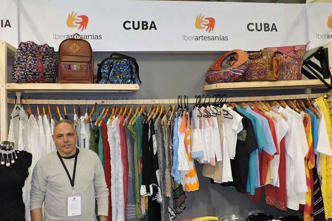 Cuba muestra trabajo manual textil en Expoartesanías, en Colombia (+Foto)
