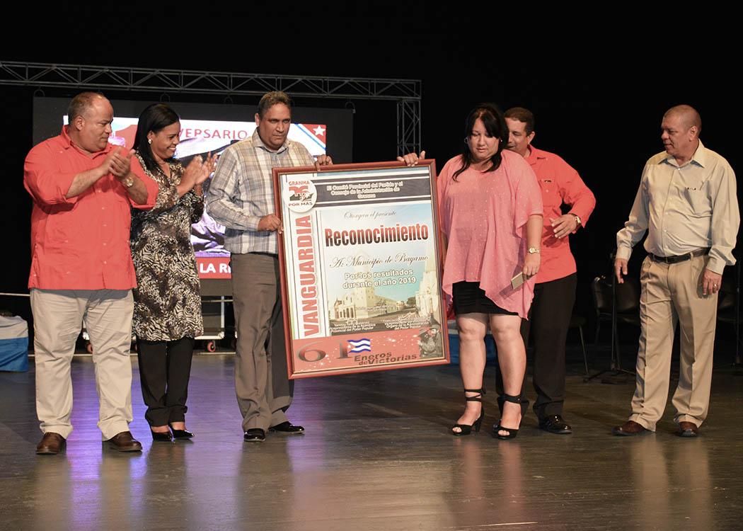 Efectúan en Granma gala por el triunfo de la Revolución cubana