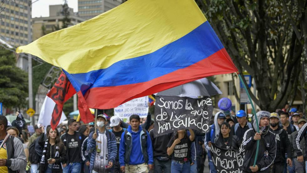 En Colombia, cacerolazo contra políticas del gobierno