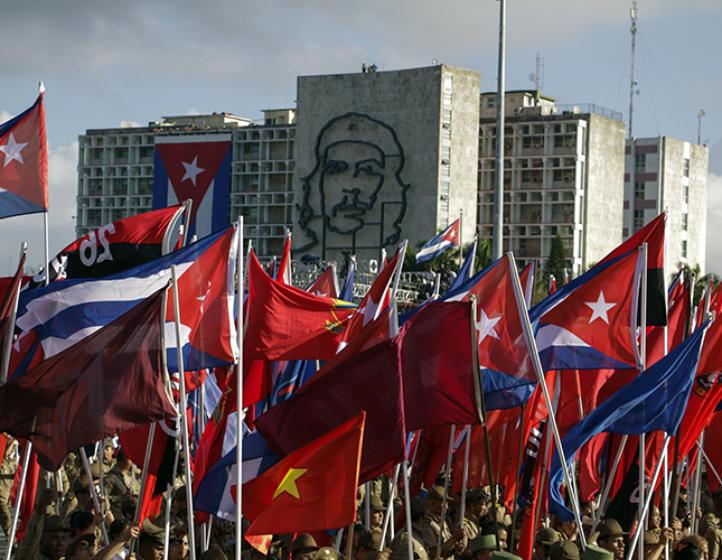 Recibe Cuba felicitaciones por aniversario 61 de Revolución