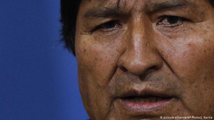 La nueva vida de Evo Morales: refugiado, con orden de aprehensión… y en campaña