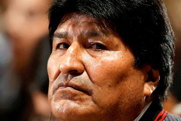 Evo califica de confabulación acusaciones sobre comicios bolivianos
