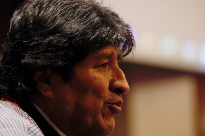 Viaja Evo Morales a Cuba para consulta médica