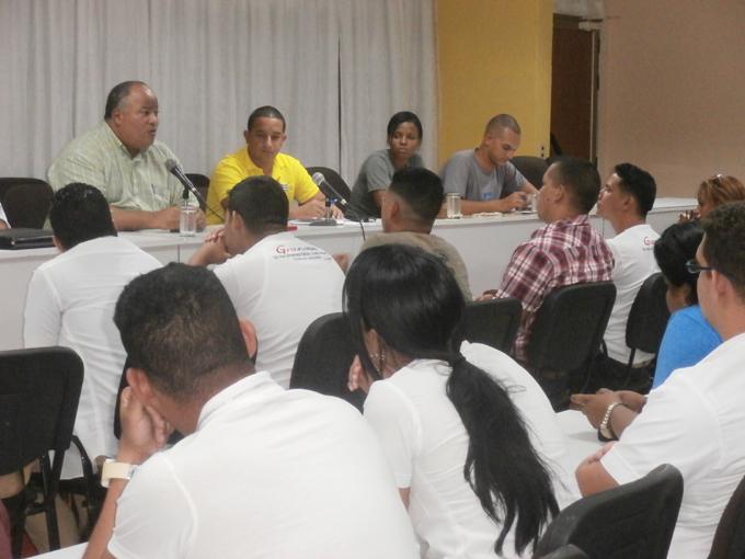 Resaltan papel de los jóvenes en compleja coyuntura nacional