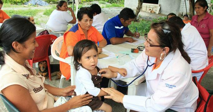 Díaz-Canel felicita a médicos en Día de la Medicina Latinoamericana (+fotos)