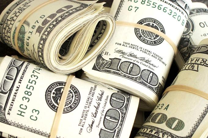 Multimillonarios gastan elevadas sumas en carrera demócrata en EE.UU.