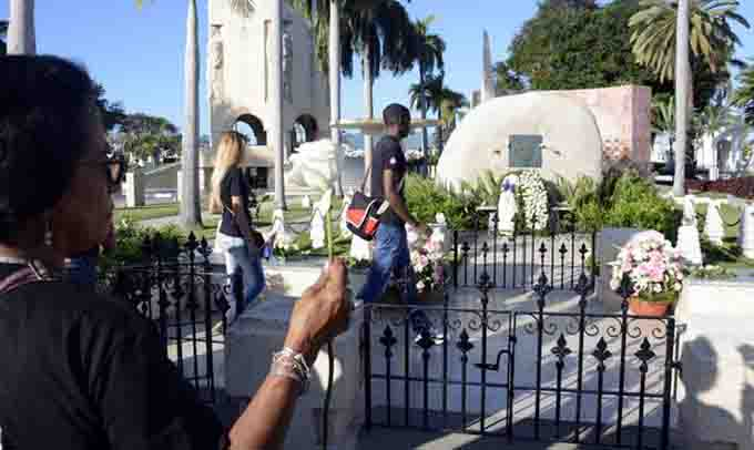 Cuba con Fidel Castro en la memoria a tres años de su inhumación