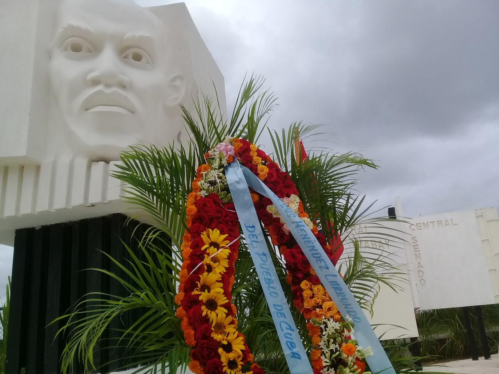 Monumento a la firmeza y rectitud (+ fotos)