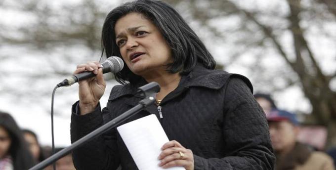 Legisladora demócrata quiere un presidente progresista en EE.UU.