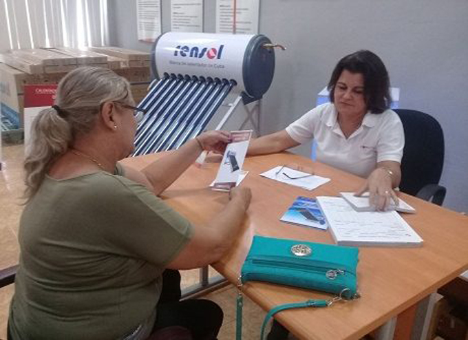 Comienza este lunes la venta de calentadores solares de agua a la población en Holguín
