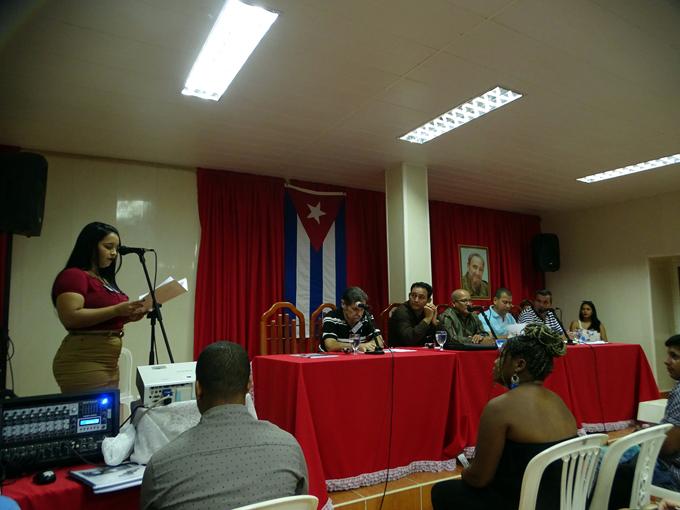Condenan trabajadores de Aprovechamiento Hidráulico profanación de imagen de José Martí