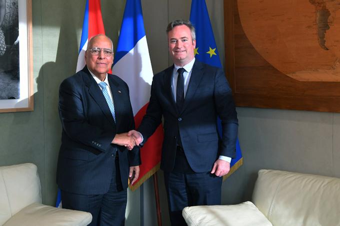 Cuba y Francia por ampliar sus relaciones comerciales