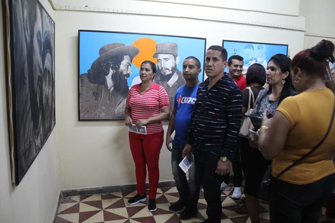 Inauguran en Guisa expo colectiva dedicada a Fidel